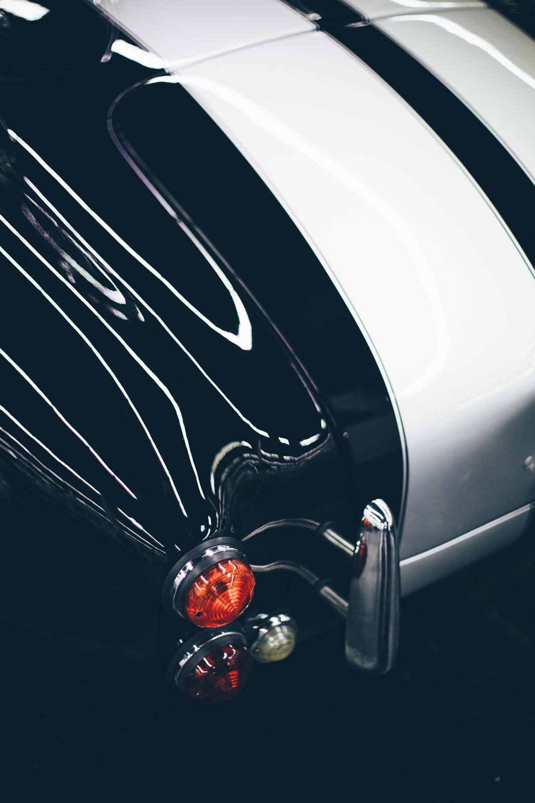 AC Cobra 427