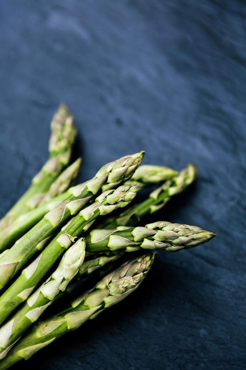 grüner spargel green asparagus