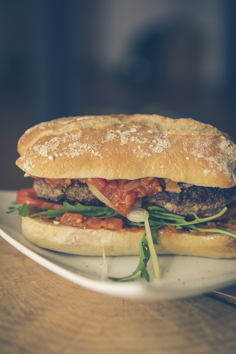 tomato sugo burger with rocket cheese