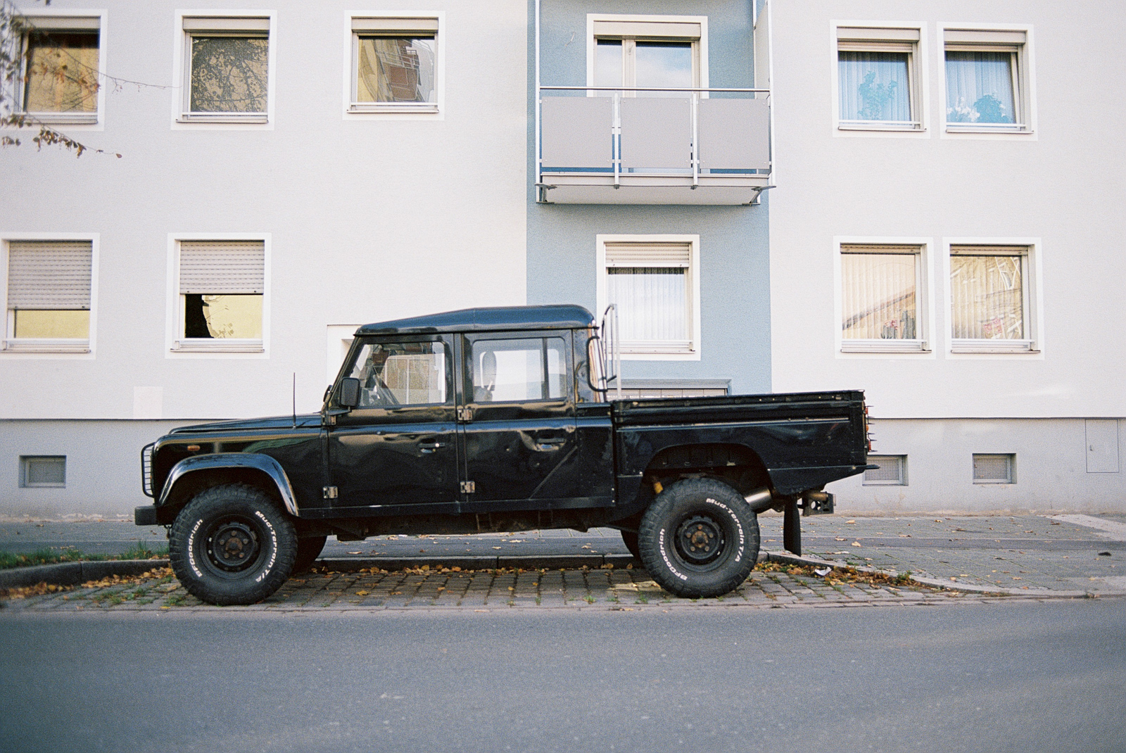 PhotoExif - Camera: Leica R7 — black, Film: Kodak Ektar 100, Comment: